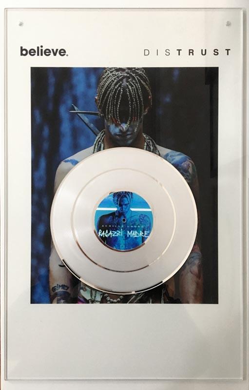 Realizzazione Premio Disco Progettiamo e realizziamo premi e riconoscimenti, Disco Oro e disco Platino per artisti, cantanti e case discografiche